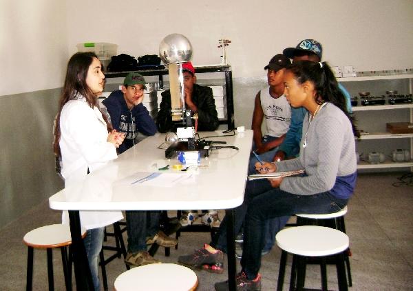 FaSaR de Portas Abertas recebe alunos do município de Moeda