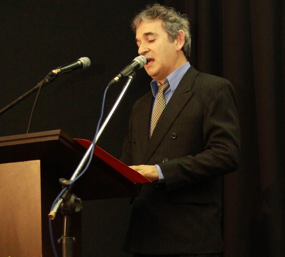 Professor da FaSaR recebe Diploma de Honra ao Mérito na área educacional