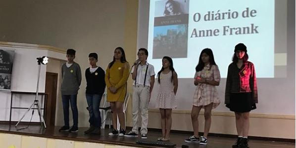 """Simpósio Filosófico e Linguístico 2018 – 7º Ano do Ensino Fundamental II- """"O Diário de Anne Frank"""""""